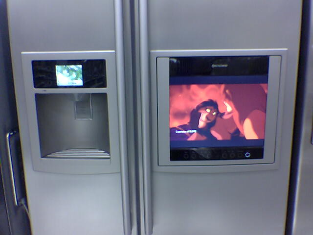 smart-screen-fridge