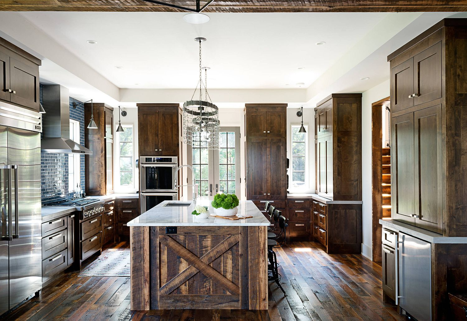 Reclaimed-wood-with-stone-countertop-for-the-dashing-kitchen-island-with-rustic-style