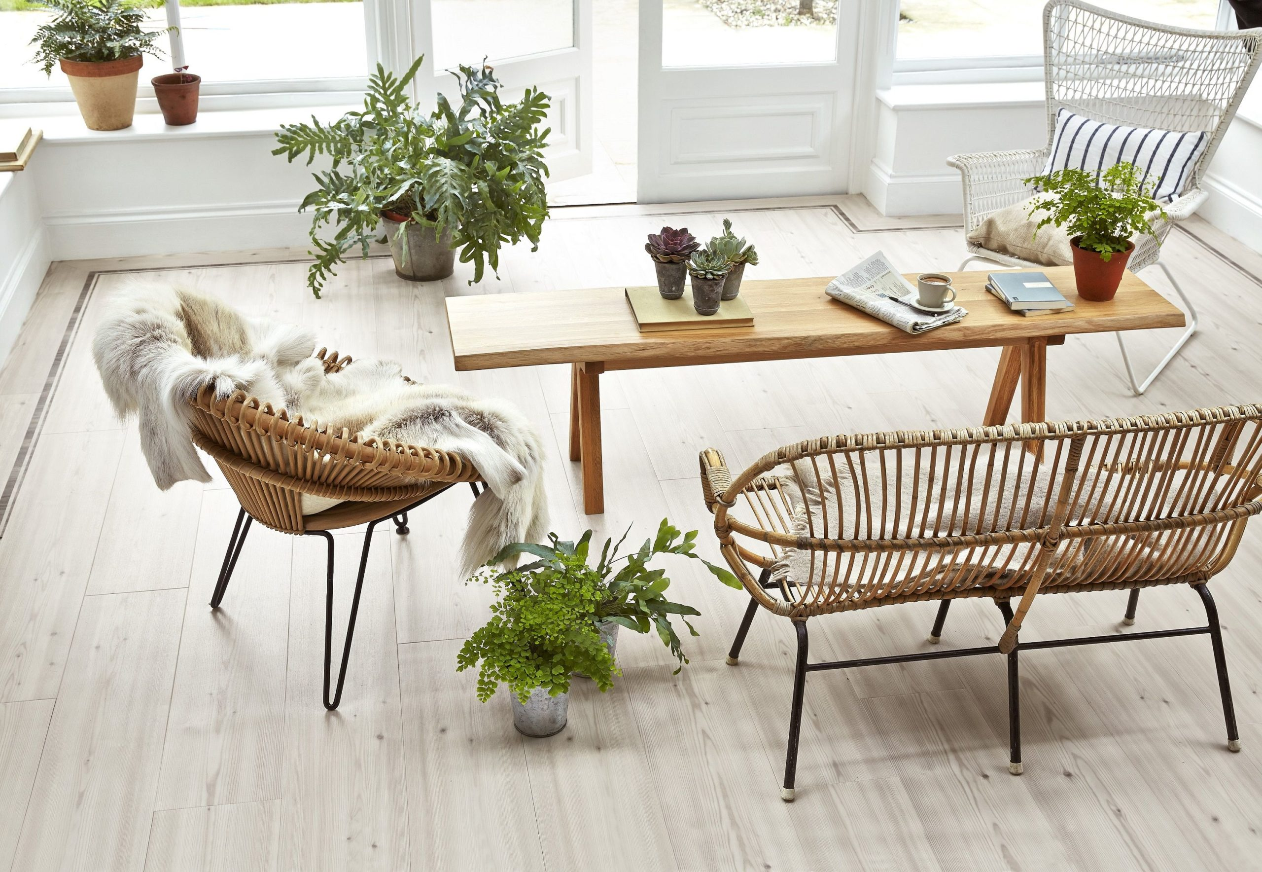 1490185824-amtico-signature-chalked-pine-offset-stripe-border-pearl-wash-wood-chalked-pine-from-70-per-sq-m2
