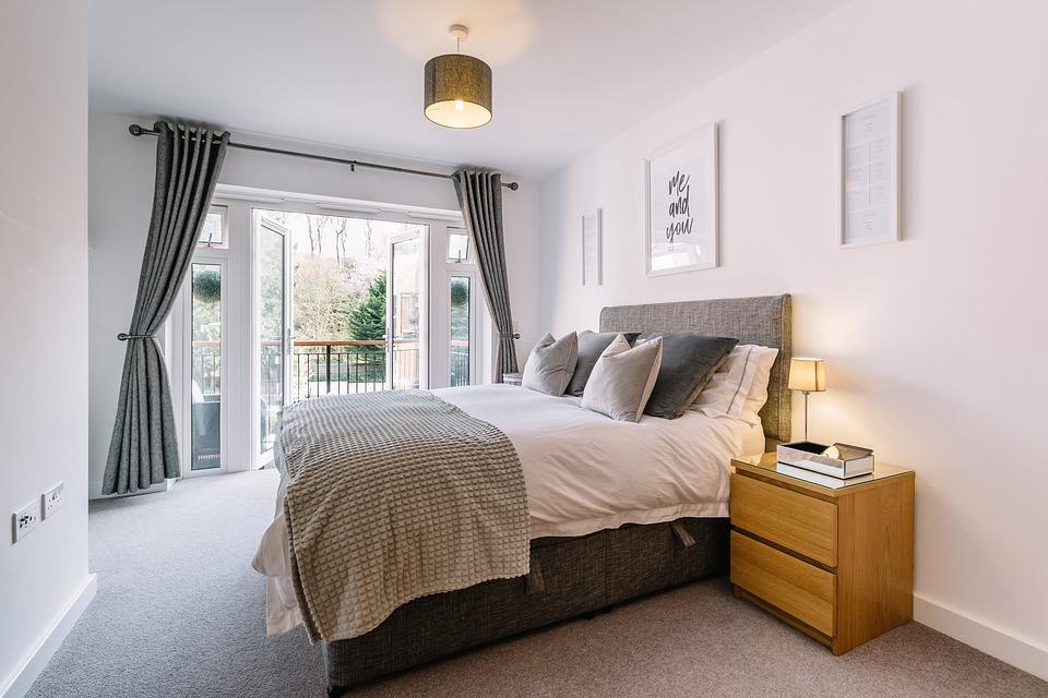 bedroom-5772286_960_720